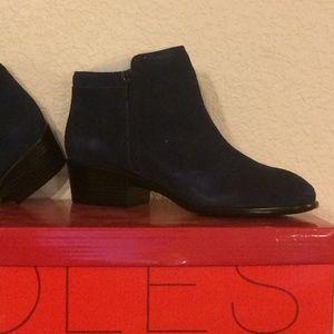 Aerosoles Mythology ankle boots, NIB, dark blue